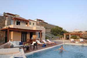 about Miramare Luxury Villas info